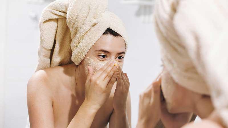 Sfatare i luoghi comuni sull'acne? Ecco i più frequenti