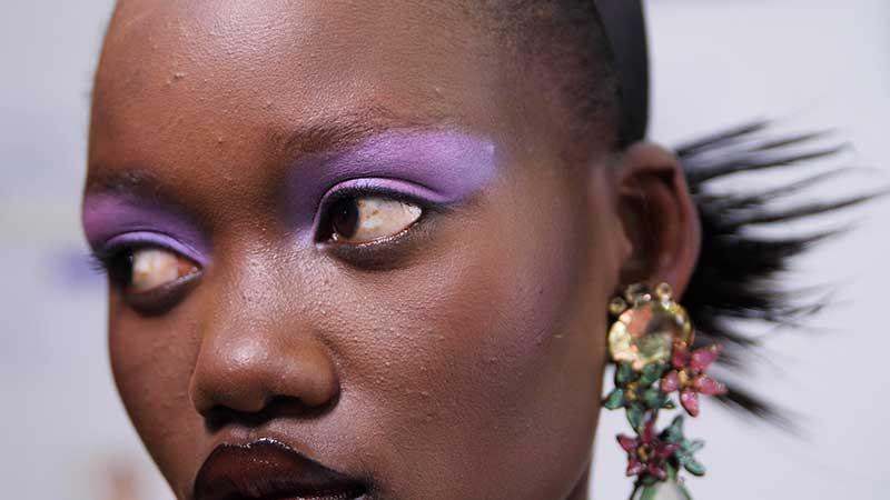 Le tendenze trucco PE 2021 secondo MAC Cosmetics. MAC Cosmetics. Sfilata: Halpern – Beauty Stills Photography by Pellicule
