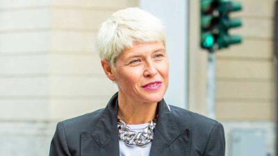 Tagli di capelli donna, le tendenze estate 2021. 10 consigli anti-aging, riportiamo indietro le lancette dell'orologio…