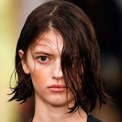 Tendenze makeup primavera 2021. Troppo pallida? Ecco come truccare la pelle per un mood solare ed estivo