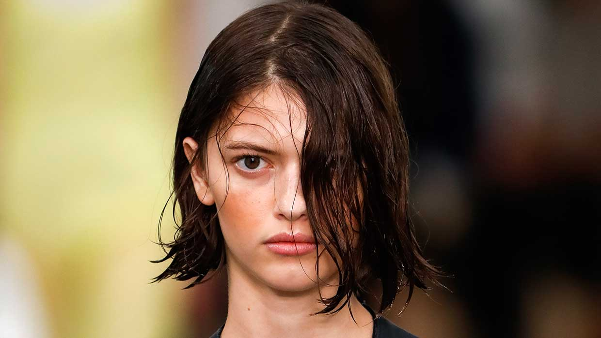 Tendenze trucco primavera estate 2021. Il fard arancione. Photo: courtesy of Sportmax