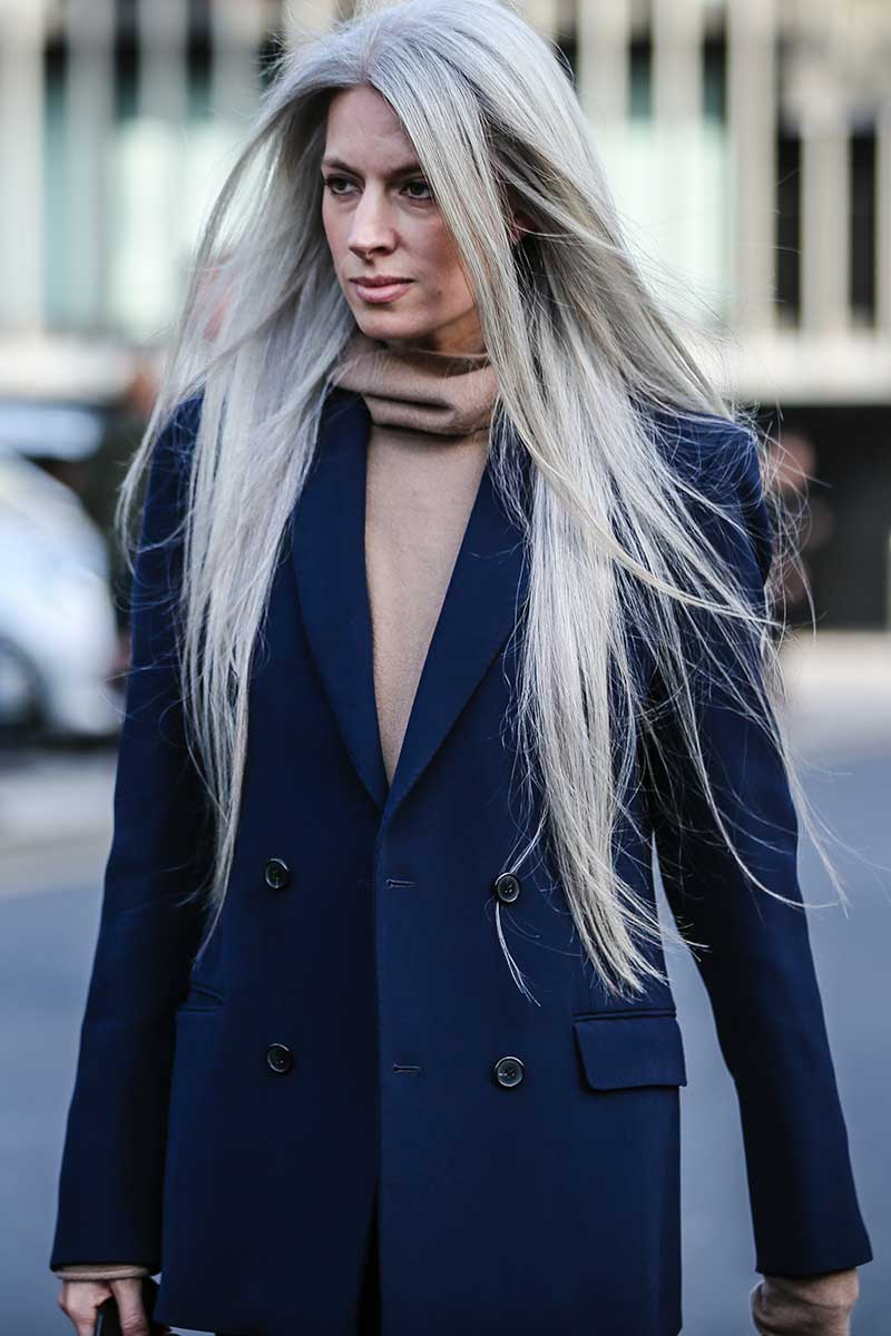 Tendenze colore capelli. Grey blending