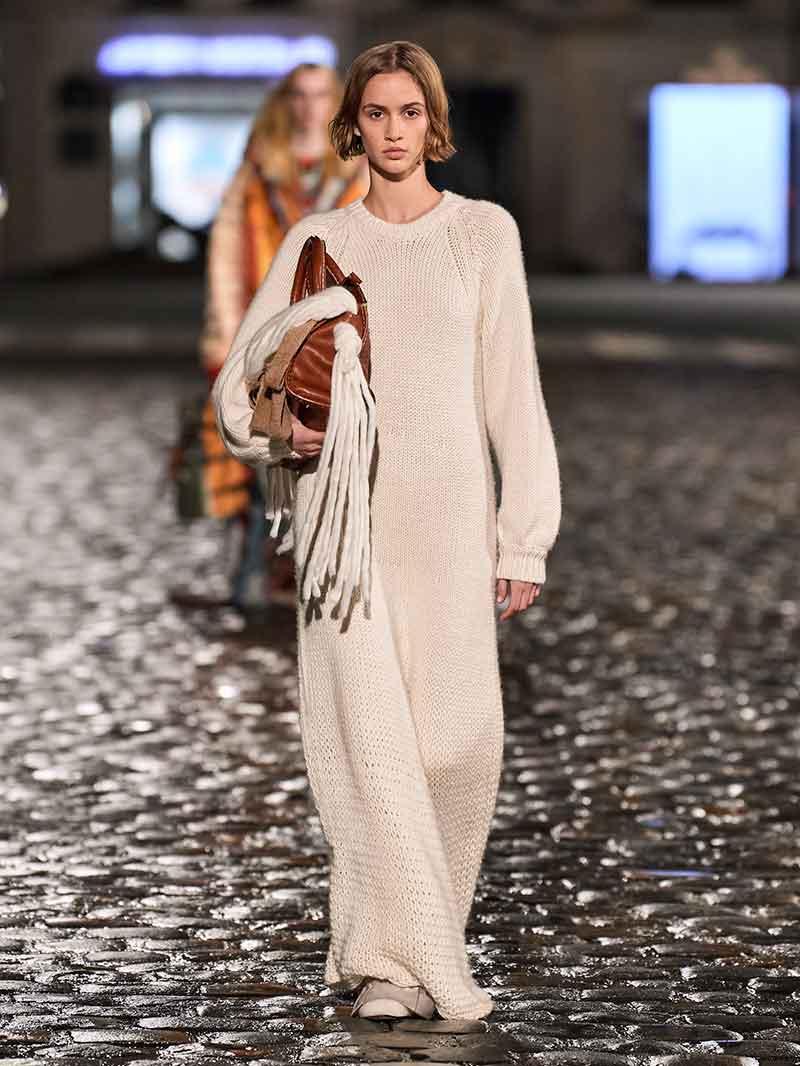 5 capi per la moda inverno 2021 di cui non vi pentirete mai. Moda donna inverno - Foto Chloe