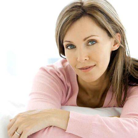 I capelli grigi possono essere 'tenuti alla larga'? Nove consigli per ritardare i capelli grigi