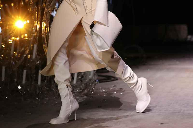Moda accessori autunno inverno 2021 2021. Le più belle tendenze stivali - Photo Courtesy of Sportmax