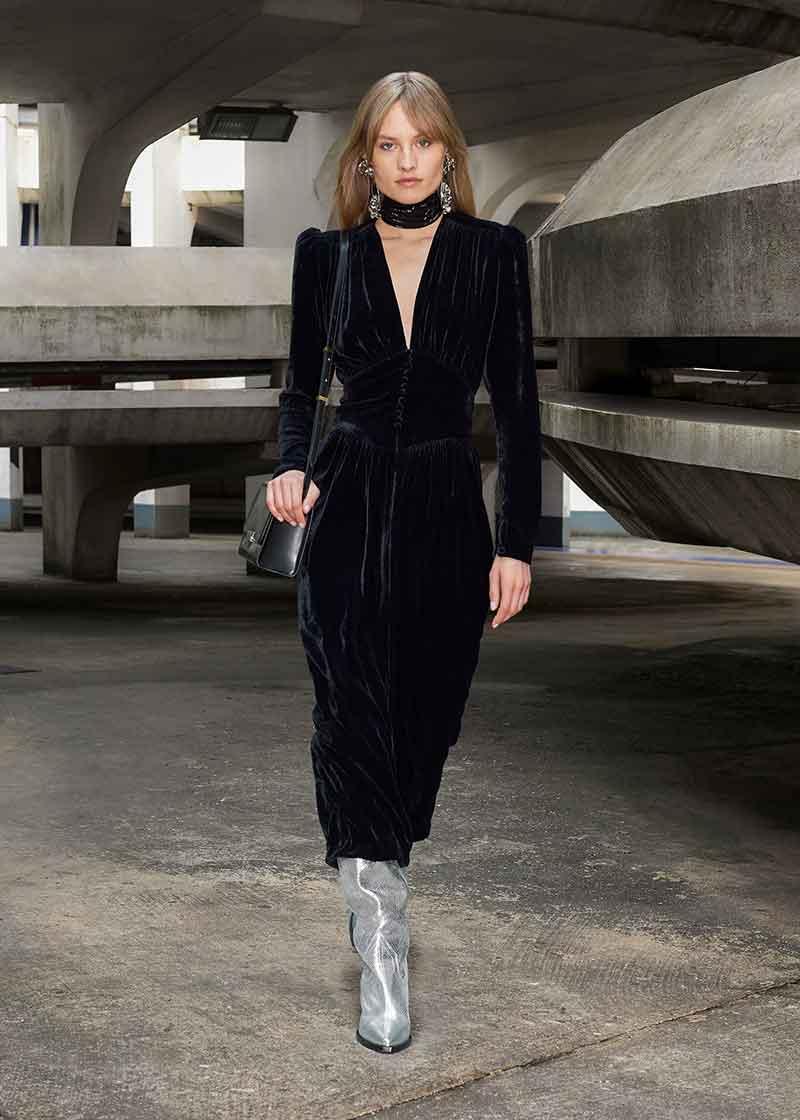 Moda accessori autunno inverno 2021 2021. Le più belle tendenze stivali - Photo Courtesy of Isabel Marant