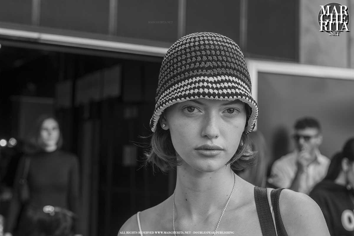 Milano Fashion Week Estate 2022, foto street style - Photo ADVERSUS
