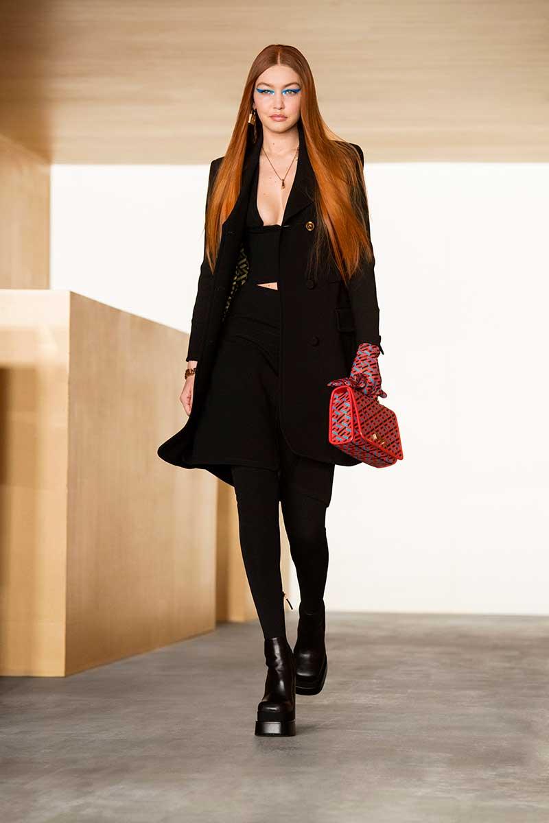 Nuove tendenze capelli inverno 2021 2022 - Photo Courtesy of Versace