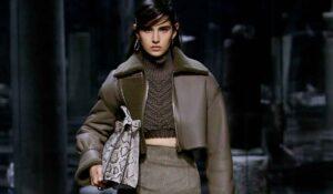 Nuovi trend moda inverno 2021 2022. I crop top anche per l'inverno. Conoscete questi trucchi di stile?