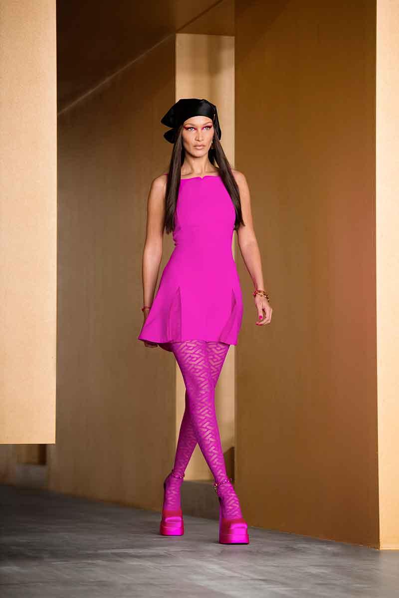 I colori della moda donna autunno inverno 2021 2022. Foto courtesy of Versace
