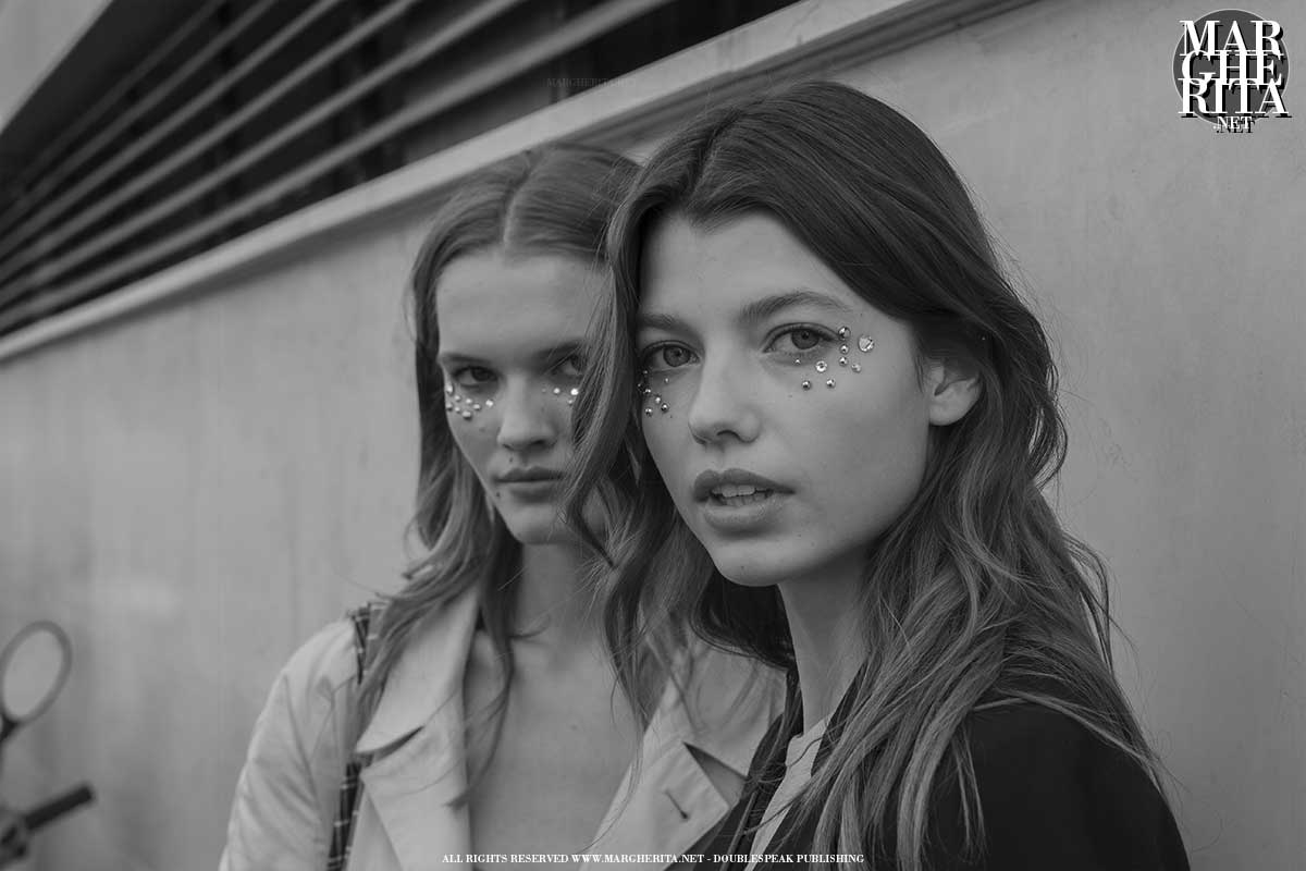 Terza giornata di sfilate alla Milano Fashion Week, lo street style - Photo ADVERSUS