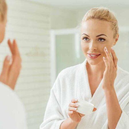 Curare la pelle per combattere i danni dell'abbronzatura a tutti i costi