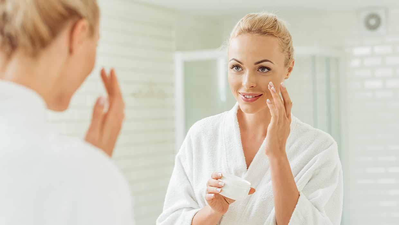 Curare la pelle per riparare ai danni dell'abbronzatura a tutti i costi