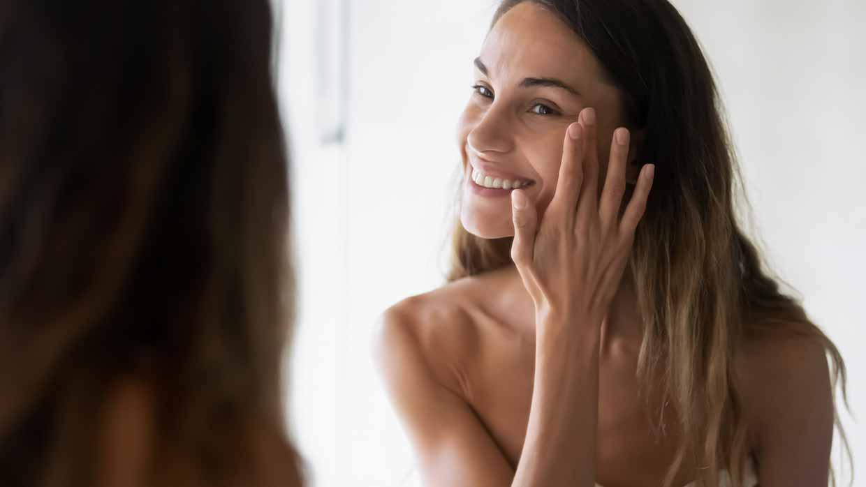 Creme anti-aging contro l'invecchiamento della pelle? Funzionano? Cosa devono contenere?