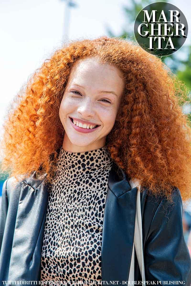 Tendenze colore capelli. Questo è il rosso con cui (chi lo vorrà) coloreremo i nostri capelli quest'autunno - Foto Charlotte Mesman