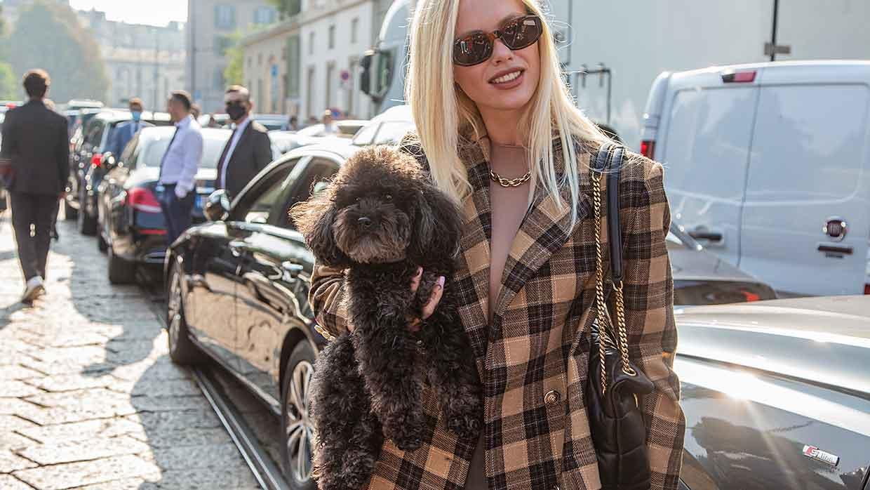 Tendenze moda inverno 2021 2022: la giacca oversize. Cosa è IN e cosa è OUT? Foto: Charlotte Mesman